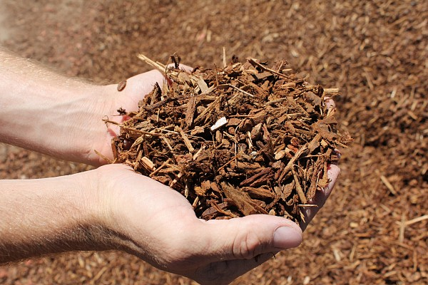 Socal mulch decorative ground cover mulch and soils for What is soil made out of